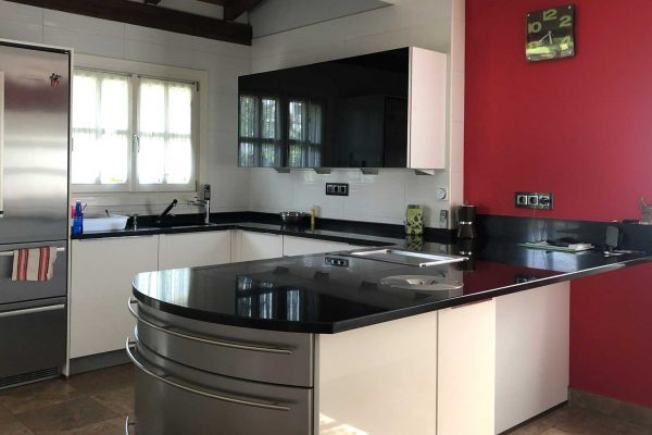 reforma cocina chalet garagartza alaya taldea arquitectura arrasate