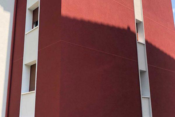 fachada roja rehabilitacion alaya taldea arquitectura arrasate